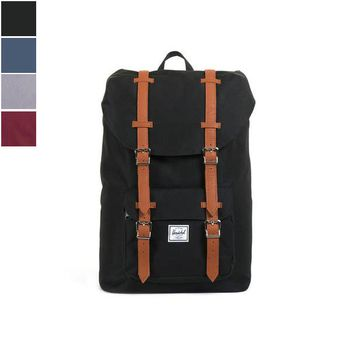 The Herschel LITTLE AMERICA Backpack 17l